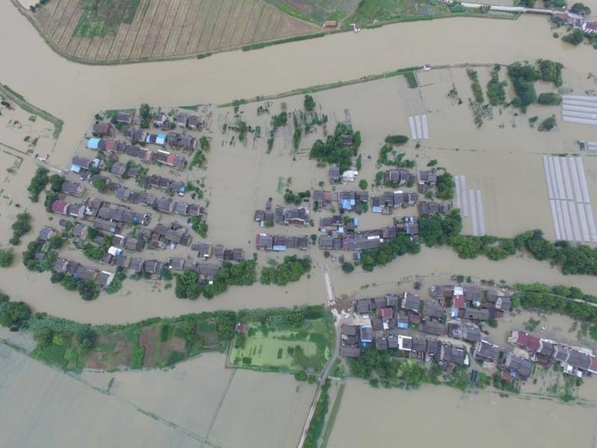 Κίνα: 128 νεκροί και δεκάδες αγνοούμενοι από τις πλημμύρες - Συγκλονίζουν τα φωτογραφικά στιγμιότυπα