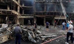 Εικόνα ολέθρου στη Βαγδάτη μετά την επίθεση με τους 250 νεκρούς