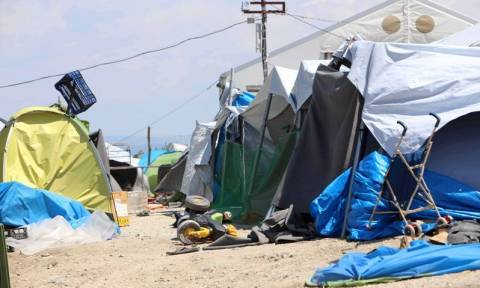Thursday: 57,123 identified migants and refugees in Greece