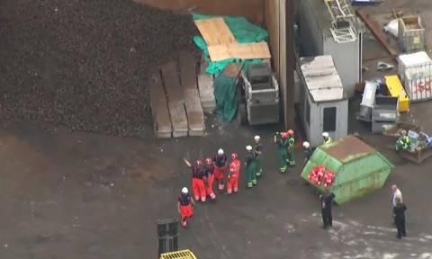 Βρετανία: Φριχτός θάνατος για πέντε εργάτες σε εργοστάσιο ανακύκλωσης μετάλλων (Vids & Pics)
