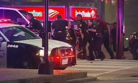 Χάος στις ΗΠΑ: Πέντε αστυνομικοί νεκροί από ελεύθερους σκοπευτές