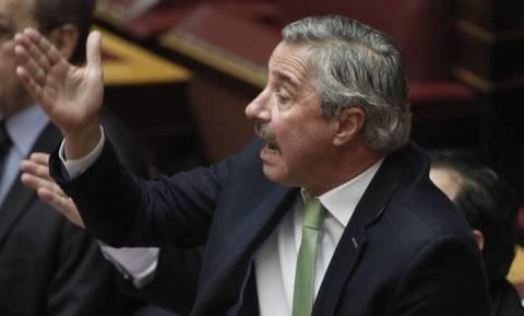 Άγριος καυγάς Μανιάτη - Σκουρλέτη στη Βουλή
