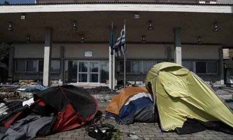 Friday: 57,148 identified migrants and refugees in Greece