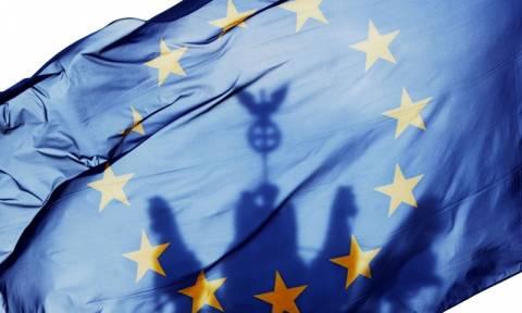 Γερμανία-Δημοσκόπηση: Πάνω η Ευρώπη και η Μέρκελ, κάτω οι λαϊκιστές λόγω Brexit
