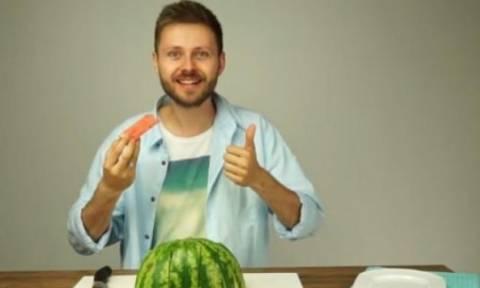 Μόλις δείτε αυτό, δεν θα ξανακόψετε το καρπούζι με άλλον τρόπο! (video)