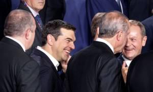 Σύνοδος Κορυφής: Τετ-α-τετ Τσίπρα - Ομπάμα για χρέος και προσφυγικό
