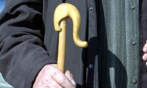 Η σπαρακτική επιστολή συνταξιούχου στον Παυλόπουλο: «Πείτε τους να μην χαμογελούν»