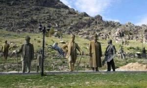 Τουρκία: Έβαλαν άγαλμα του Κεμάλ στην αυλή αρμενικής εκκλησίας
