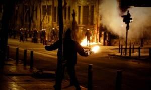 «Πεδίο μάχης» το κέντρο της Αθήνας - Τραυματίστηκαν αστυνομικοί