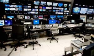 Κατασκοπευτικό θρίλερ οι τηλεοπτικές άδειες: Σκληρό «πόκερ» με απαγόρευση κινητών και... απομόνωση!