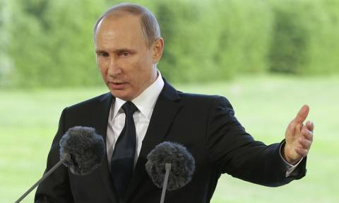 Песков: Путин на Валааме попросил монахов молиться о погибших в Сирии российских летчиках