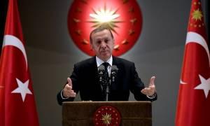 Ο Ερντογάν υπεραμύνεται του σχεδίου του για χορήγηση τουρκικής υπηκοότητας σε Σύρους πρόσφυγες