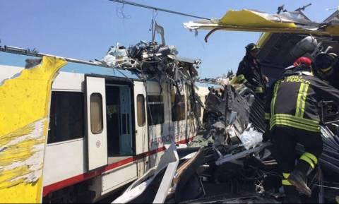 Τραγωδία στην Ιταλία: Μετωπική σύγκρουση τρένων έξω από το Μπάρι (pics+vids)