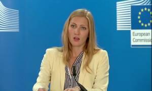 «Νίπτει τας χείρας της» η Κομισιόν: Ας φροντίσει η Ελλάδα για τους πρόσφυγες στη Λέρο