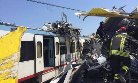 Σύγκρουση τρένων Ιταλία: Εικόνες σοκ από την τραγωδία