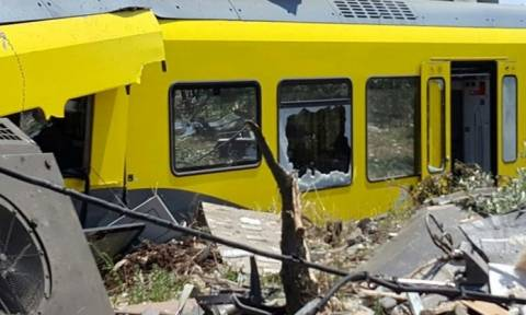 Σύγκρουση τρένων Ιταλία: Εικόνες φρίκης, μάνα και κόρη σκοτώθηκαν αγκαλιασμένες (photos+video)