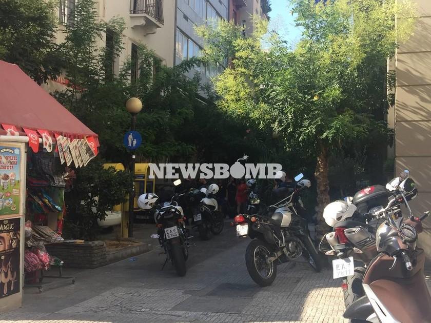 Πυροβολισμοί τώρα στο κέντρο της Αθήνας - Τρεις τραυματίες