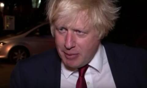 Βρετανία: Ο Μπόρις Τζόνσον ως νέος ΥΠΕΞ «γυρίζει πλάτη» στην Ευρώπη και «κλείνει το μάτι» στις ΗΠΑ