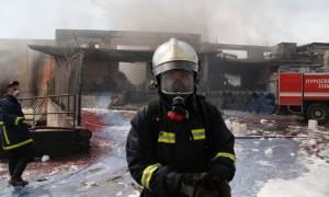Ηράκλειο: Φωτιά σε αποθήκες της Ένωσης Αγροτικών Συνεταιρισμών Ηρακλείου