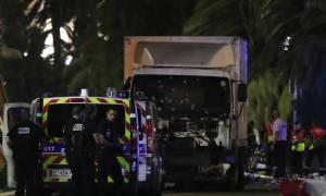Ο τρόμος επέστρεψε στη Γαλλία: Νέο μακελειό με δεκάδες νεκρούς στη Νίκαια (pics+vids)