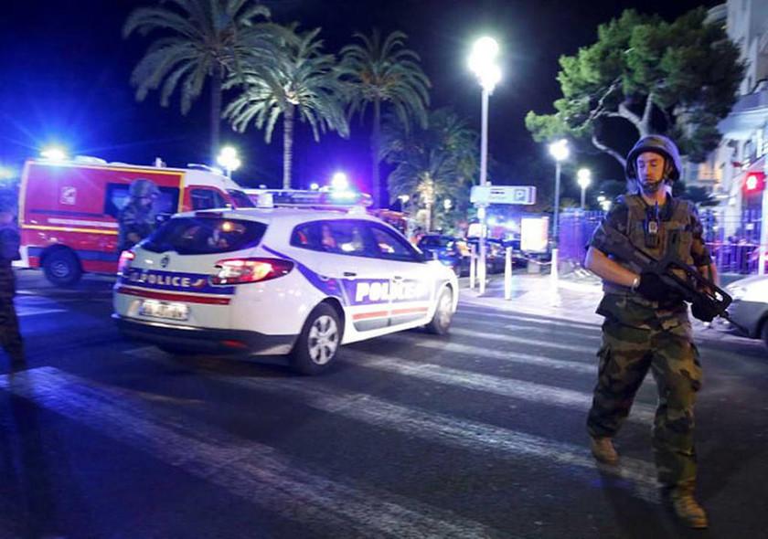 Γαλλία: Έτσι σκόρπισε το θάνατο στη Νίκαια ο τρομοκράτης (pics+vids)
