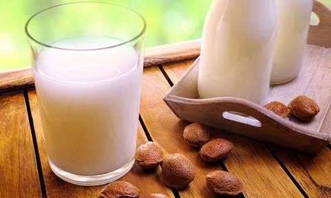 Γάλα αμυγδάλου: Οφέλη και διατροφική αξία