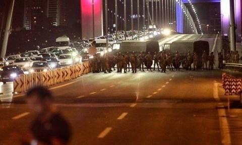 Πραξικόπημα Τουρκία: Δύο νεκροί στην Κωνσταντινούπολη - Πυροβολισμοί στη γέφυρα του Βοσπόρου (vids)