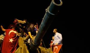 Τουρκία: Συναγερμός για νέα απόπειρα πραξικοπήματος