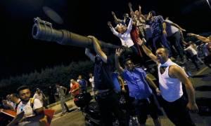 Πραξικόπημα Τουρκία - Μαρτυρία: Aκούγαμε φωνές και τον Ιμάμη να μιλά συνέχεια στους πιστούς