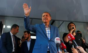 Πραξικόπημα Τουρκία: «Ξηλώνει» στρατιωτικούς και δικαστές το καθεστώς Ερντογάν