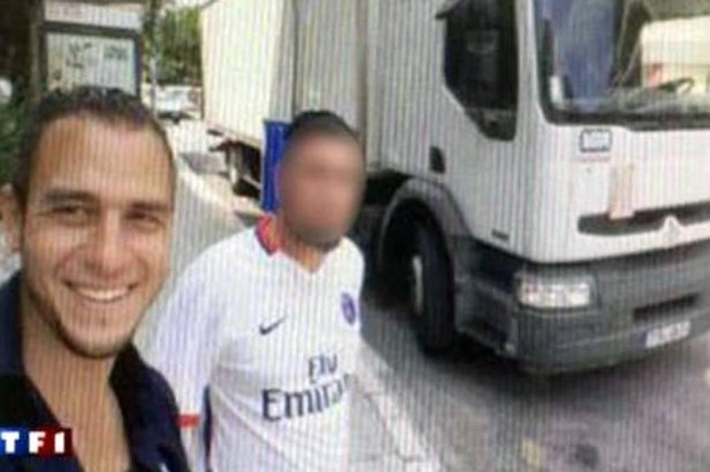 Επίθεση Νίκαια: Οι τελευταίες selfies του μακελάρη μέσα στο φορτηγό