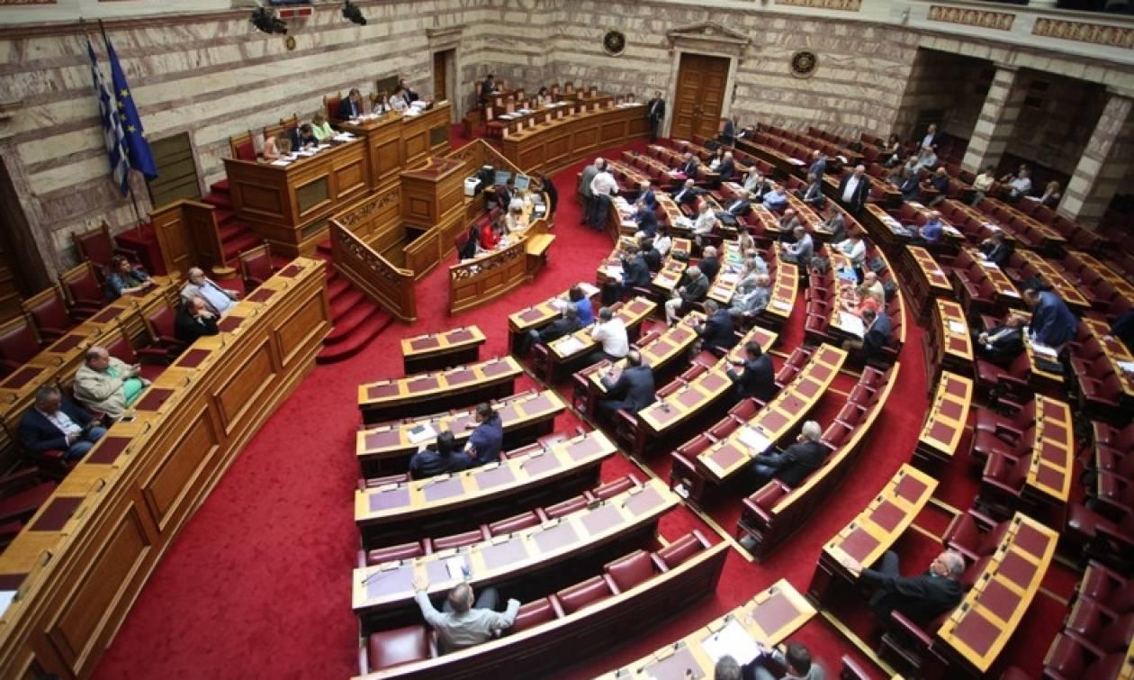 Εκλογικός νόμος: Τέλος στο σενάριο ψήφισης από 200 βουλευτές
