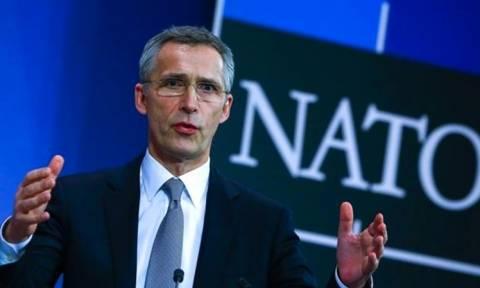 Στόλτενμπεργκ: Δεν τίθεται μέχρι στιγμής θέμα αναθεώρησης της συμμετοχής της Τουρκίας στο ΝΑΤΟ