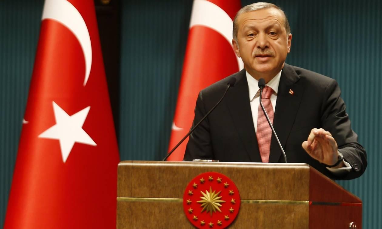 Καταιγιστικές εξελίξεις στην Τουρκία: O Ερντογάν κήρυξε την χώρα σε κατάσταση εκτάκτου ανάγκης (Vid)