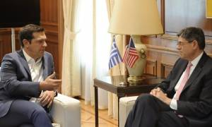 Απαραίτηση η αναδιάρθρωση του χρέους, συμφώνησαν Τσίπρας και Λιου