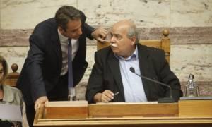Εκλογικός νόμος - Χάος στη Βουλή: Άγρια κόντρα Βούτση - Μητσοτάκη