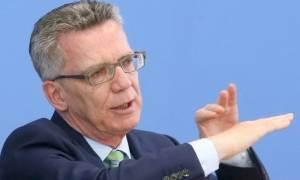 Επίθεση Μόναχο: Επιστρέφει εσπευσμένα στο Βερολίνο από τις ΗΠΑ ο υπ. Εσωτερικών Τόμας ντε Μεζιέρ