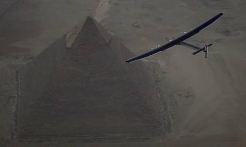 Solar Impulse 2: Δείτε LIVE να γράφεται ιστορία πάνω από τη Μέση Ανατολή (Vid)