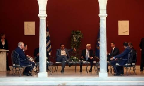 Παυλόπουλος: Γιορτάζουμε με τον τρόπο που αρμόζει την επέτειο αποκατάστασης της Δημοκρατίας