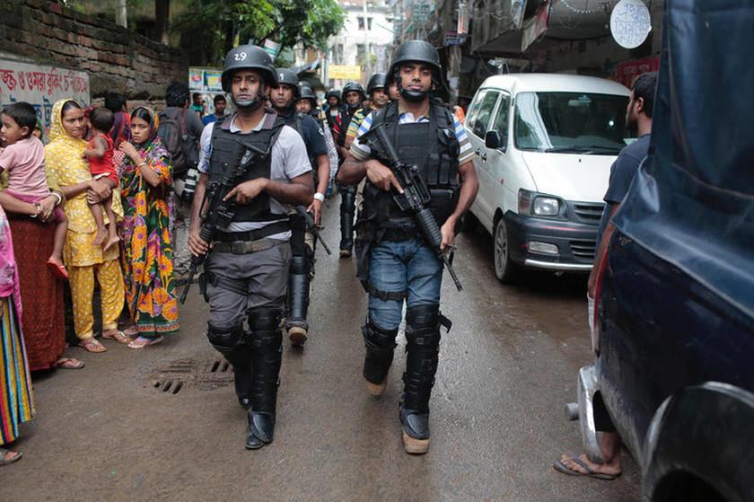 Μπαγκλαντές: Εννέα ύποπτοι για τρομοκρατική δράση νεκροί έπειτα από μάχη με την αστυνομία (Vid)