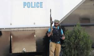 Αρμενία: Παραδόθηκαν δύο ένοπλοι ομάδας που κρατά ομήρους σε αστυνομικό τμήμα
