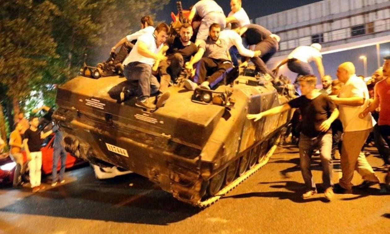 Τουρκία: Οργιάζουν οι θεωρίες συνωμοσίας μετά το αποτυχημένο πραξικόπημα (Vids)