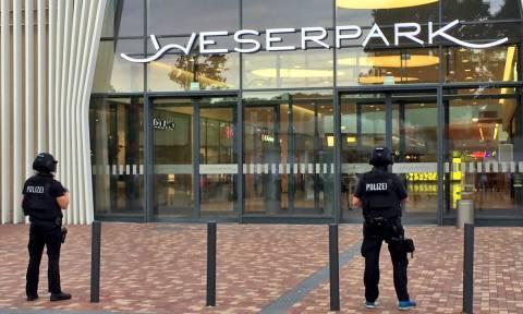 Συναγερμός στη Γερμανία: Εκκενώθηκε εμπορικό κέντρο στην Βρέμη (Pics & Vids)
