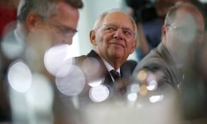 Spiegel: Δύο μέτρα και δύο σταθμά για Ισπανία και Ελλάδα από τον Σόιμπλε
