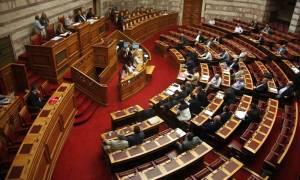 Ο Κατρούγκαλος αρνήθηκε να αποσύρει την τροπολογία για το ΕΚΑΣ