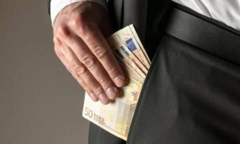 Σύλληψη υπάλληλου της Πολεοδομίας και αρχιτέκτονα με την κατηγορία της δωροληψίας