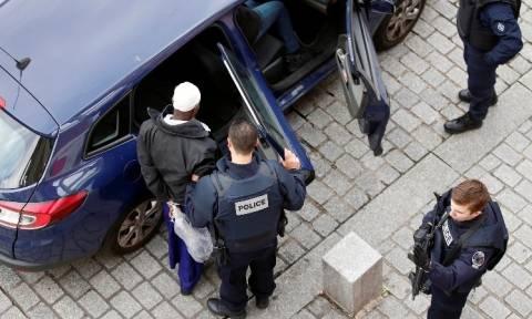 Στη Γαλλία δύο ύποπτοι που δεν πρόλαβαν τις επιθέσεις στο Παρίσι γιατί εγκλωβίστηκαν στη Λέρο