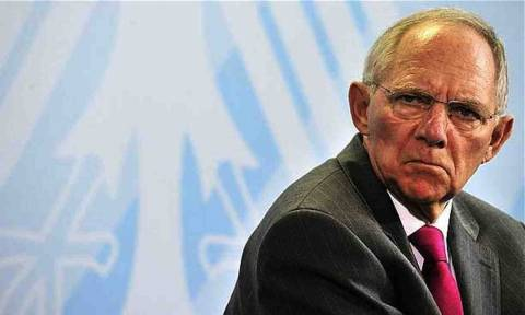 Ο Σόιμπλε επιμένει να μπλοκάρει την εξομοίωση συντάξεων στην Ανατολική και Δυτική Γερμανία