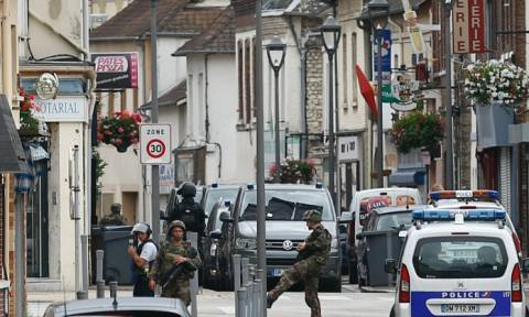 Γαλλία: Στα χέρια των αρχών 17χρονος που συνεργαζόταν με τον μακελάρη της Νορμανδίας