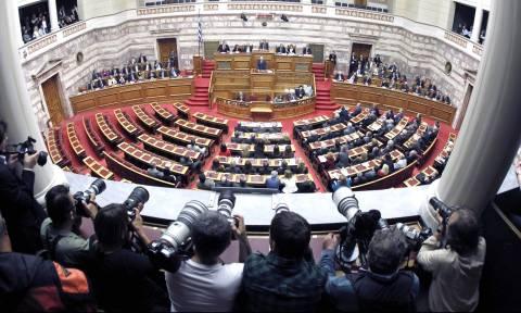 Αγνωστος αριθμός τροπολογιών και δύο νομοσχέδια πριν «κλείσει» η Βουλή